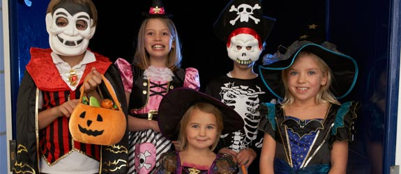 kids-halloween-costumes-trick-treat